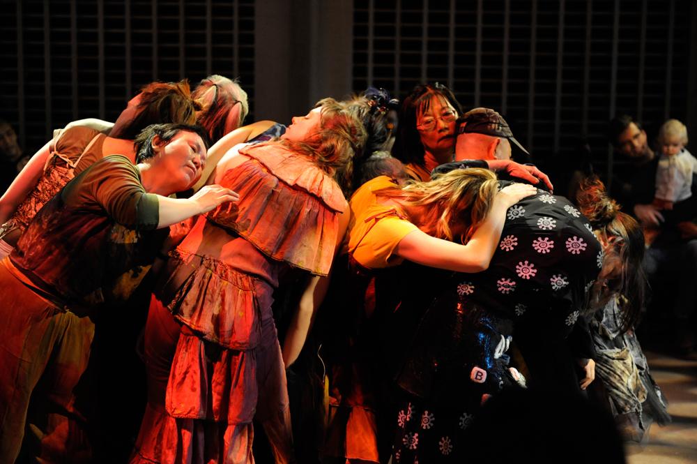 Karen-Jamieson-Dance---CONNECT-in-progress-Oct-2012---Support---photo-credit-Chris-Randle